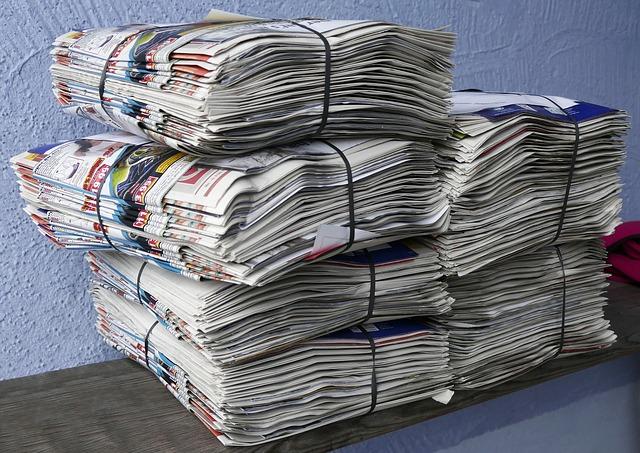 balíky papírů