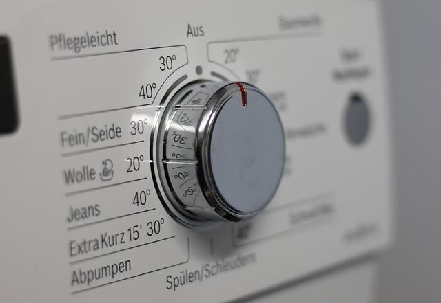 otočný vypínač na pračce.jpg