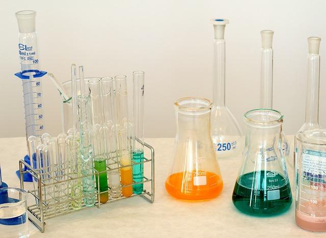 S chemií jde stavba mnohem lépe